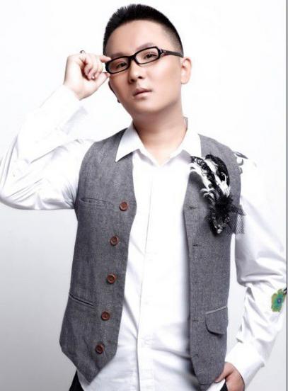 反串歌手 杨云阁
