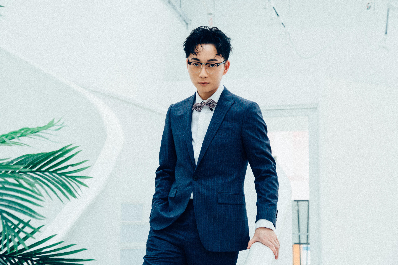 内地男歌手——李袁杰